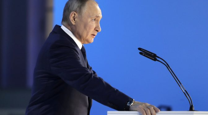 Putin Warns of 'Swift' Response to Rivals Crossing 'Red Line'