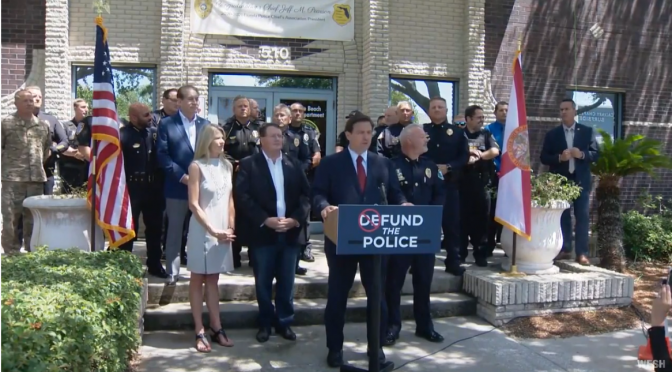 DeSantis Says 'No Way' to Defunding Police, Gives $1,000 Bonus to Florida Police Officers