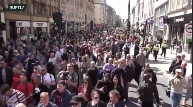 'London Stands Up' – Covid Lockdown Protests (Video)